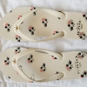 Coach Abigail flip flops size 9